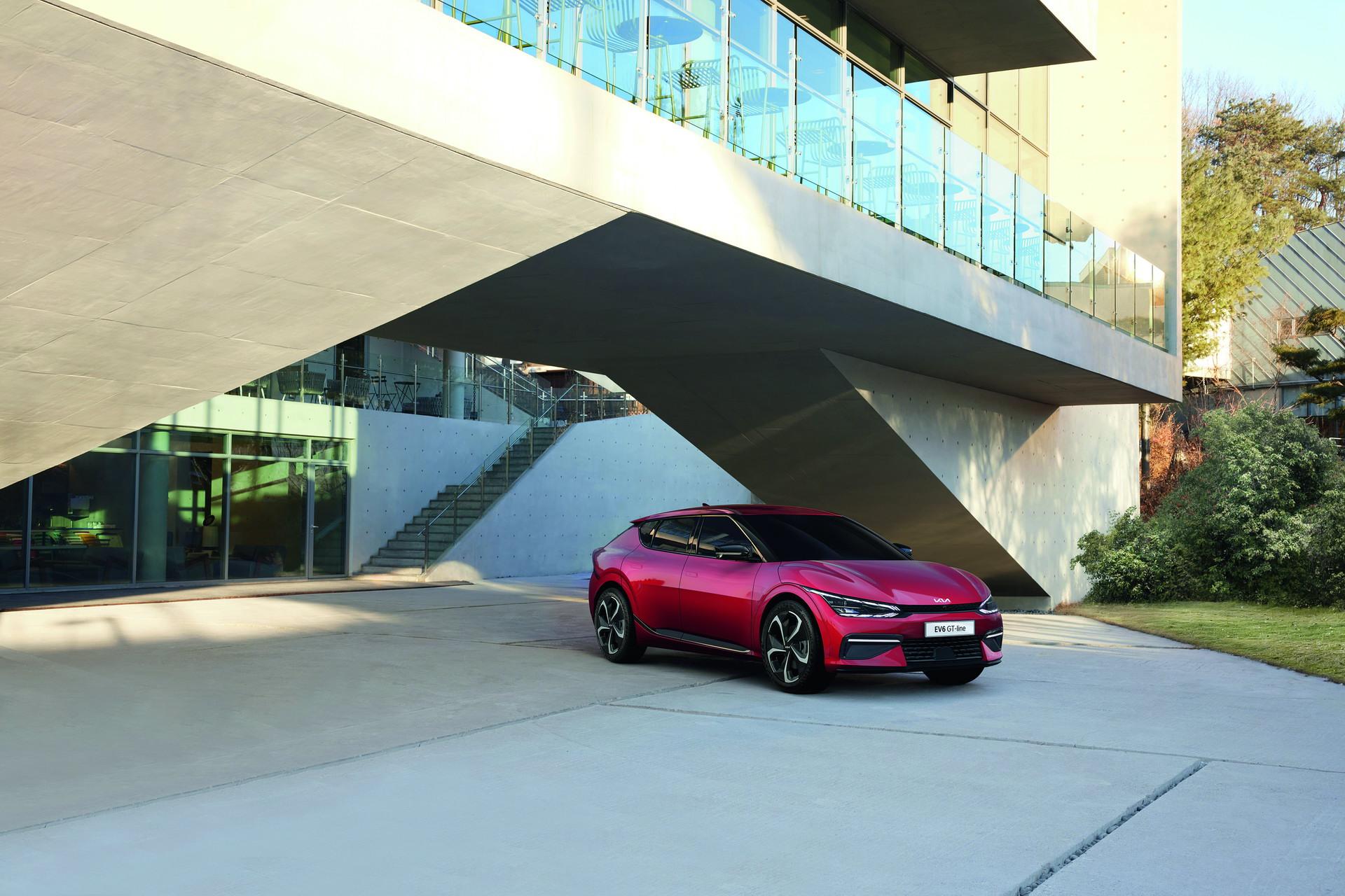 Kia EV6 nhận được hơn 21.000 đơn đặt hàng trong ngày đầu tiên mở bán