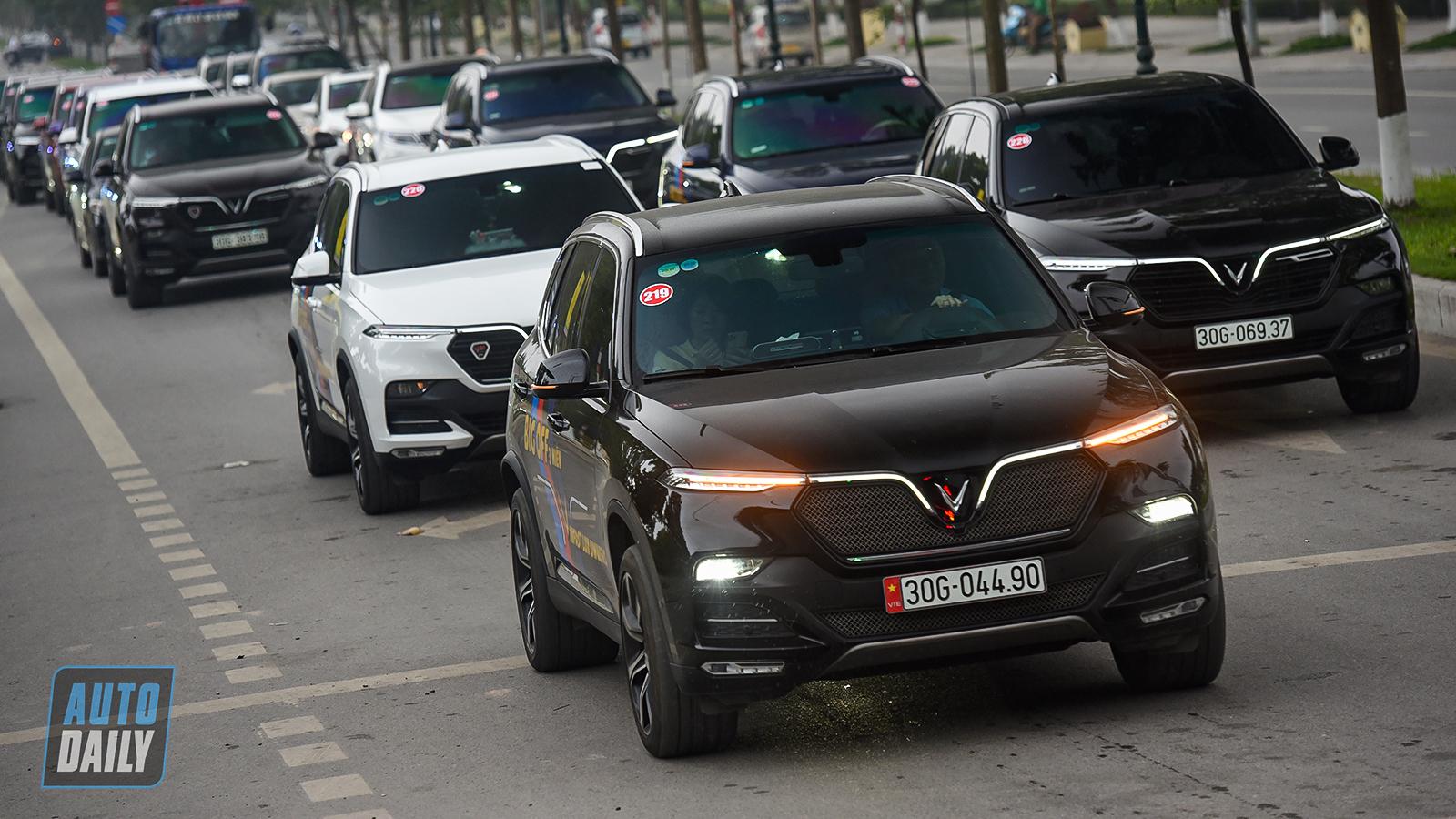 Chùm ảnh gần 60 xe VinFast Lux tại Hà Nội xuất phát Offline 3 miền tại Hội An