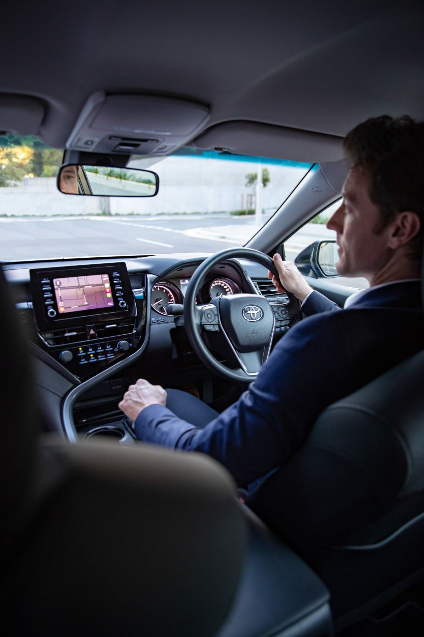 Toyota Camry 2021 nâng cấp ra mắt tại Australia, giá từ 23.920 USD 2021-toyota-camry-facelift-in-australia-7-850x1275.jpg