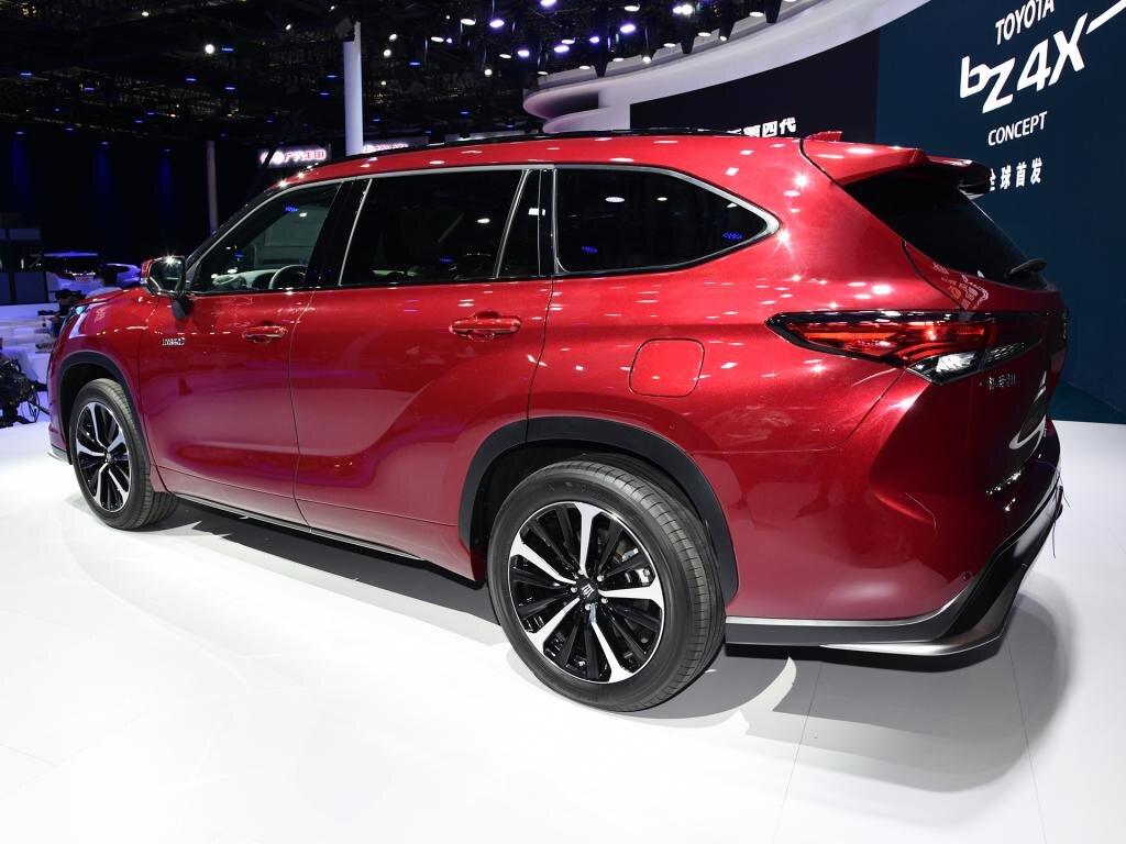 Cận cảnh Toyota Crown phiên bản SUV tại triển lãm Thượng Hải 2021 toyota-crown-kluger-3.jpg