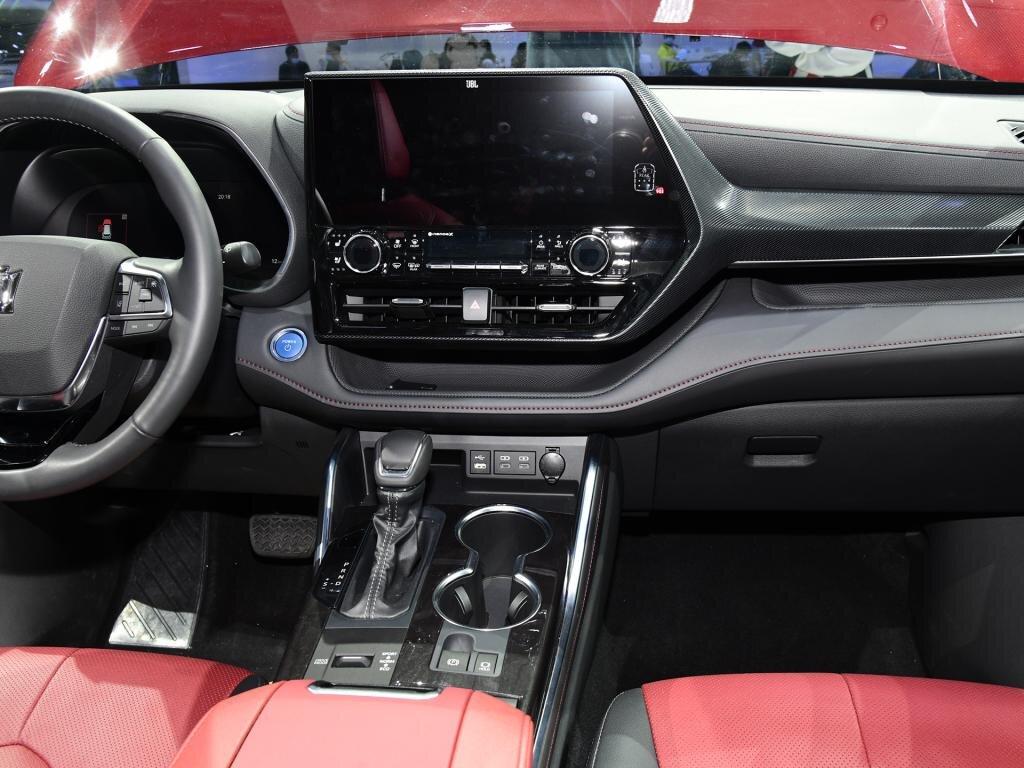 Cận cảnh Toyota Crown phiên bản SUV tại triển lãm Thượng Hải 2021 toyota-crown-kluger-6.jpg