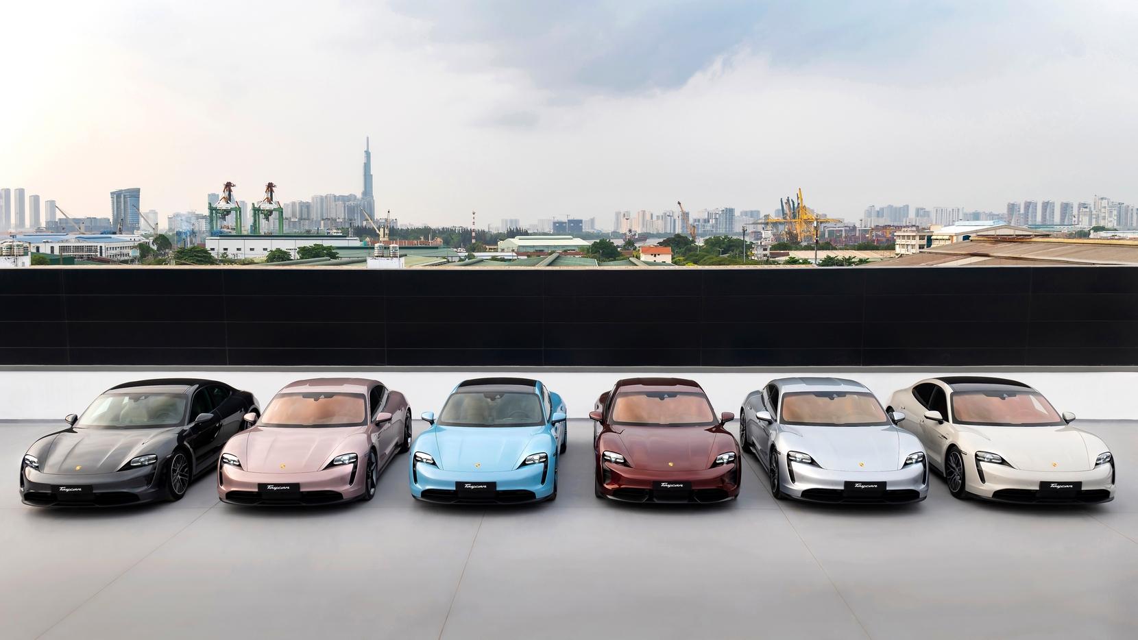 Những chiếc Porsche Taycan đầu tiên được giao đến khách hàng Việt Porsche Taycan (3).jpg
