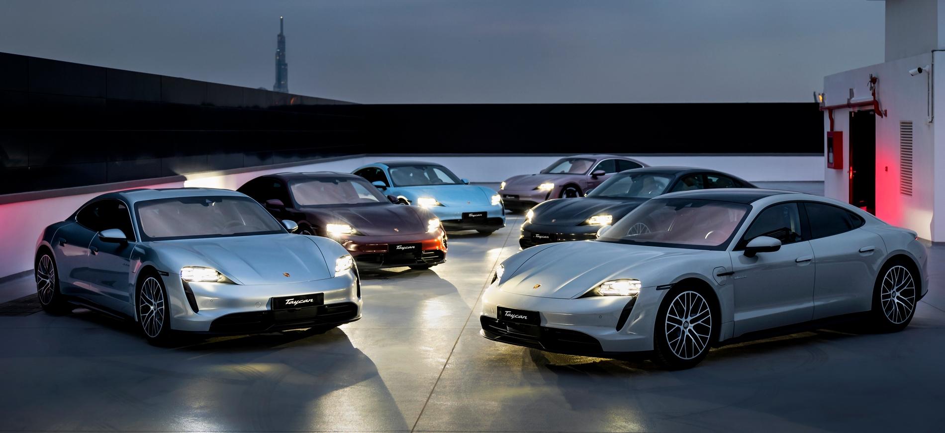 Những chiếc Porsche Taycan đầu tiên được giao đến khách hàng Việt Porsche Taycan (4).jpg