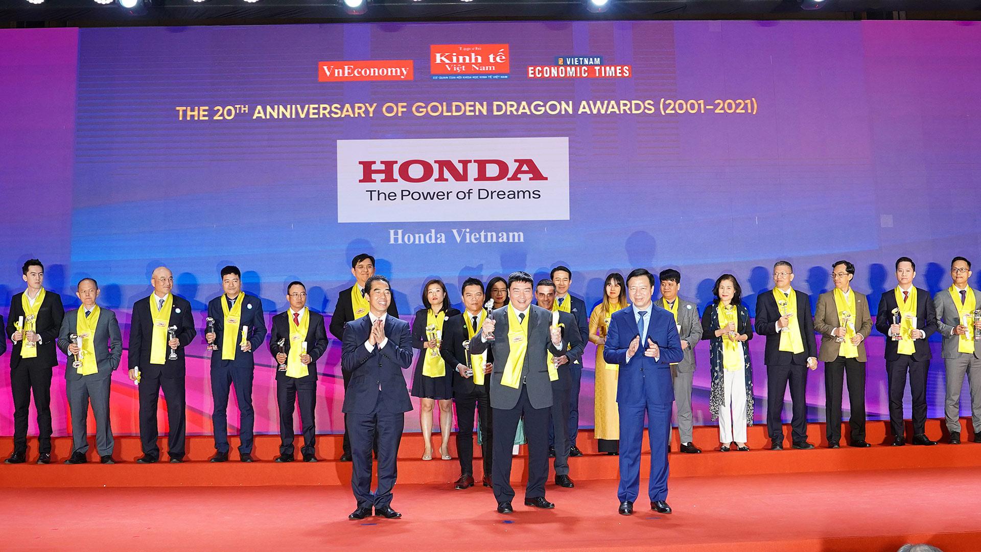 Honda Việt Nam nhận giải thưởng Rồng Vàng lần thứ 16 hvn.jpg