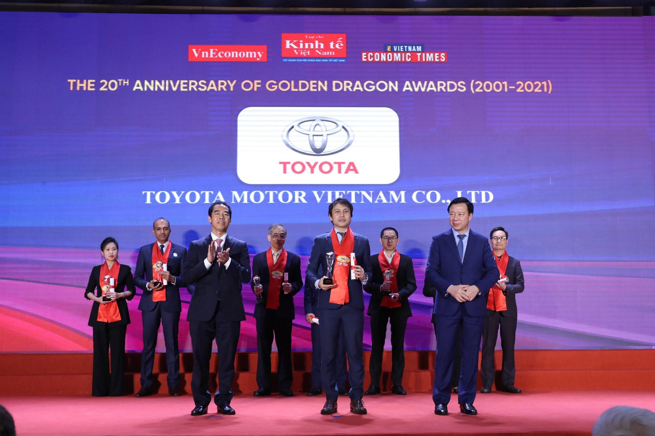 Toyota Việt Nam nhận Giải thưởng Rồng Vàng lần thứ 20 toyota-viet-nam-nhan-giai-thuong-rong-vang-2021-1.jpg