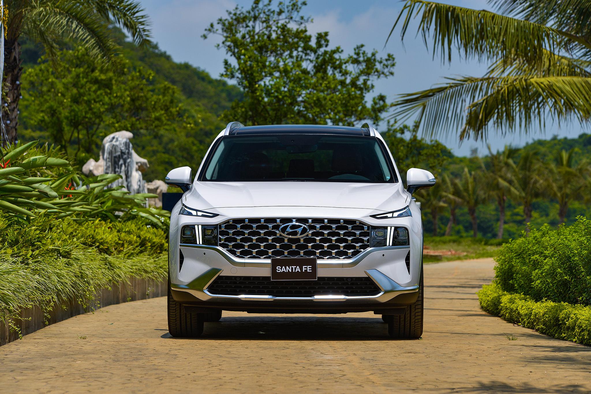 Hyundai Santa Fe 2021 chính thức ra mắt tại Việt Nam, giá từ 1,030 tỷ đồng hyundai-santa-fe-2021-19.jpeg