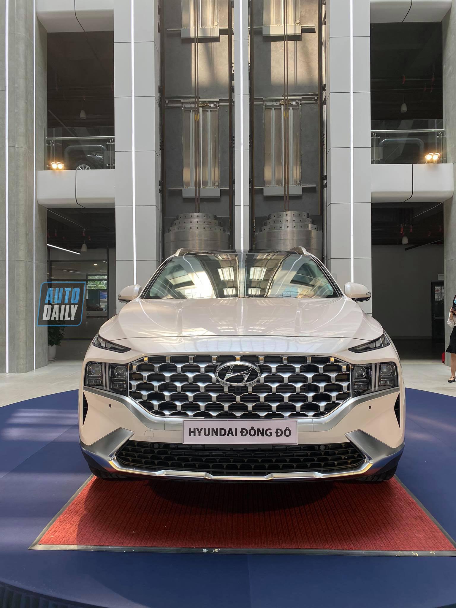 Hyundai SantaFe 2021 đã có mặt tại đại lý, sẵn sàng đến tay người dùng santafe-2021-02.jpg