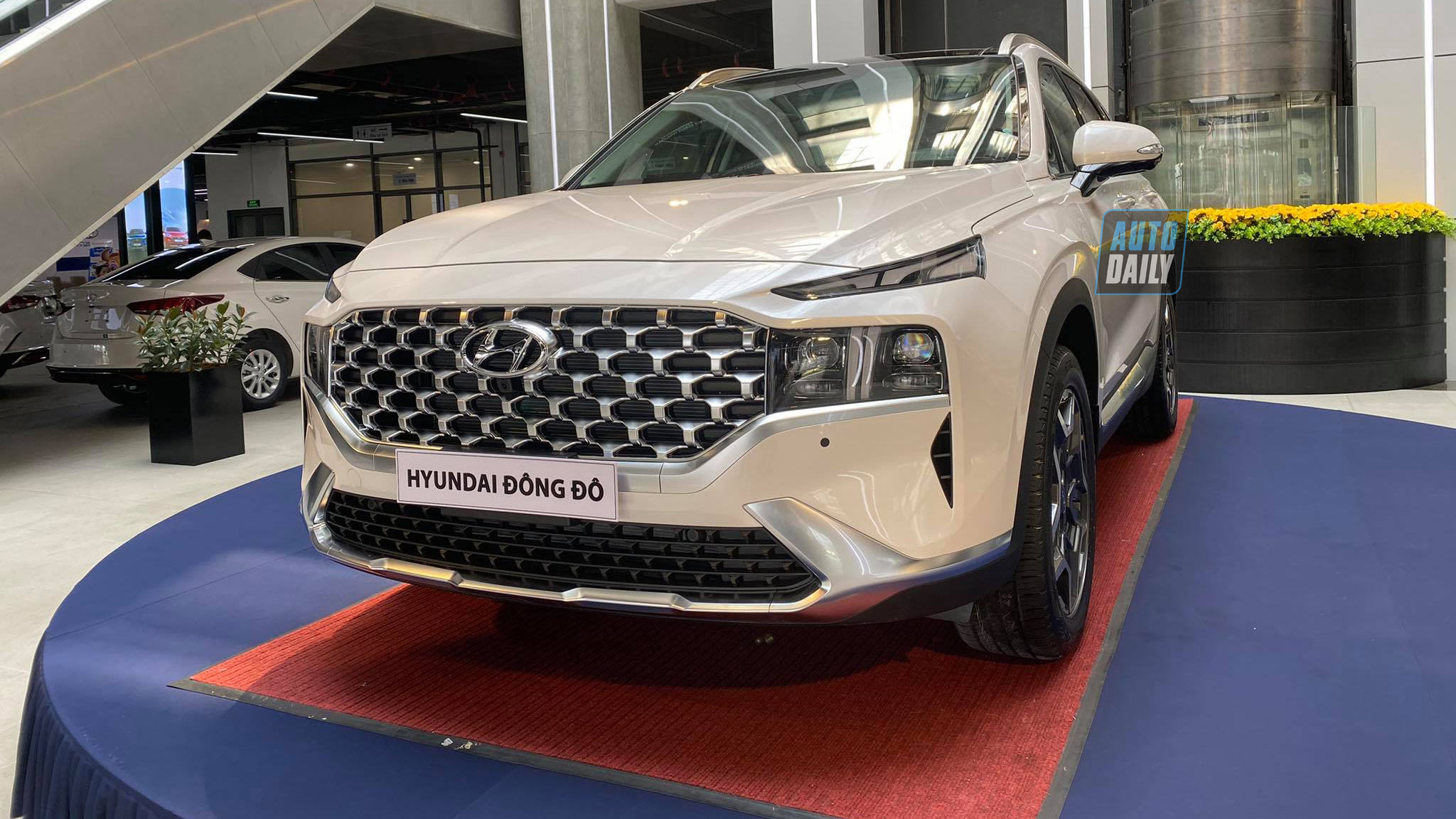 Tầm giá 1,3 tỷ đồng, chọn Hyundai Santa Fe 2021 hay Kia Sorento 2021?