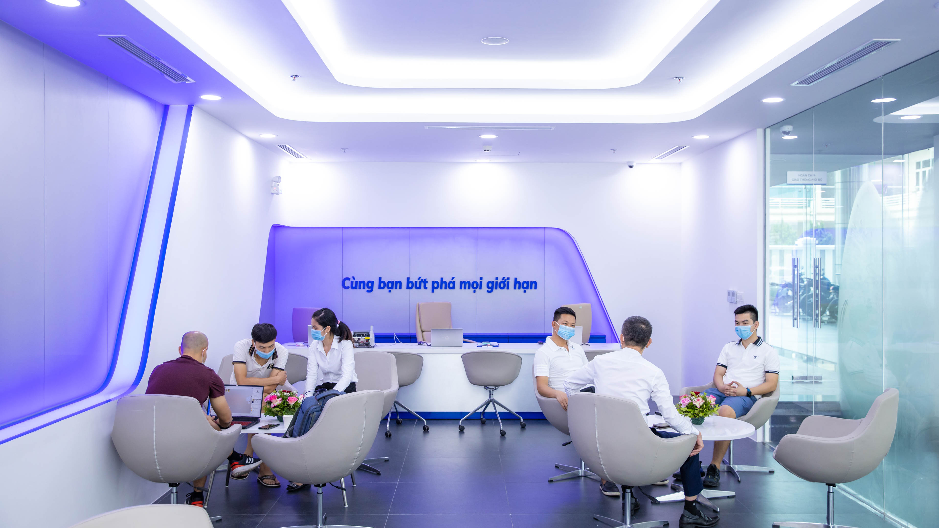 What's special about VinFast's first 3S showroom in Cam Pha?  srcampha-anh7.jpg