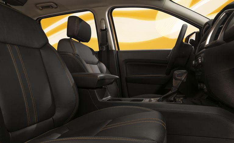 Ford Ranger 2022 có thêm gói trang bị đặc biệt từ những năm 90 2022-ranger-splash-package-21-1630460292.jpeg