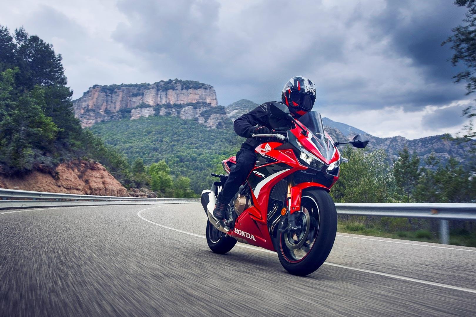 Bộ 3 xe mô tô phân khối lớn 500cc của Honda thêm loạt nâng cấp Honda CBR500R 2022.jpg