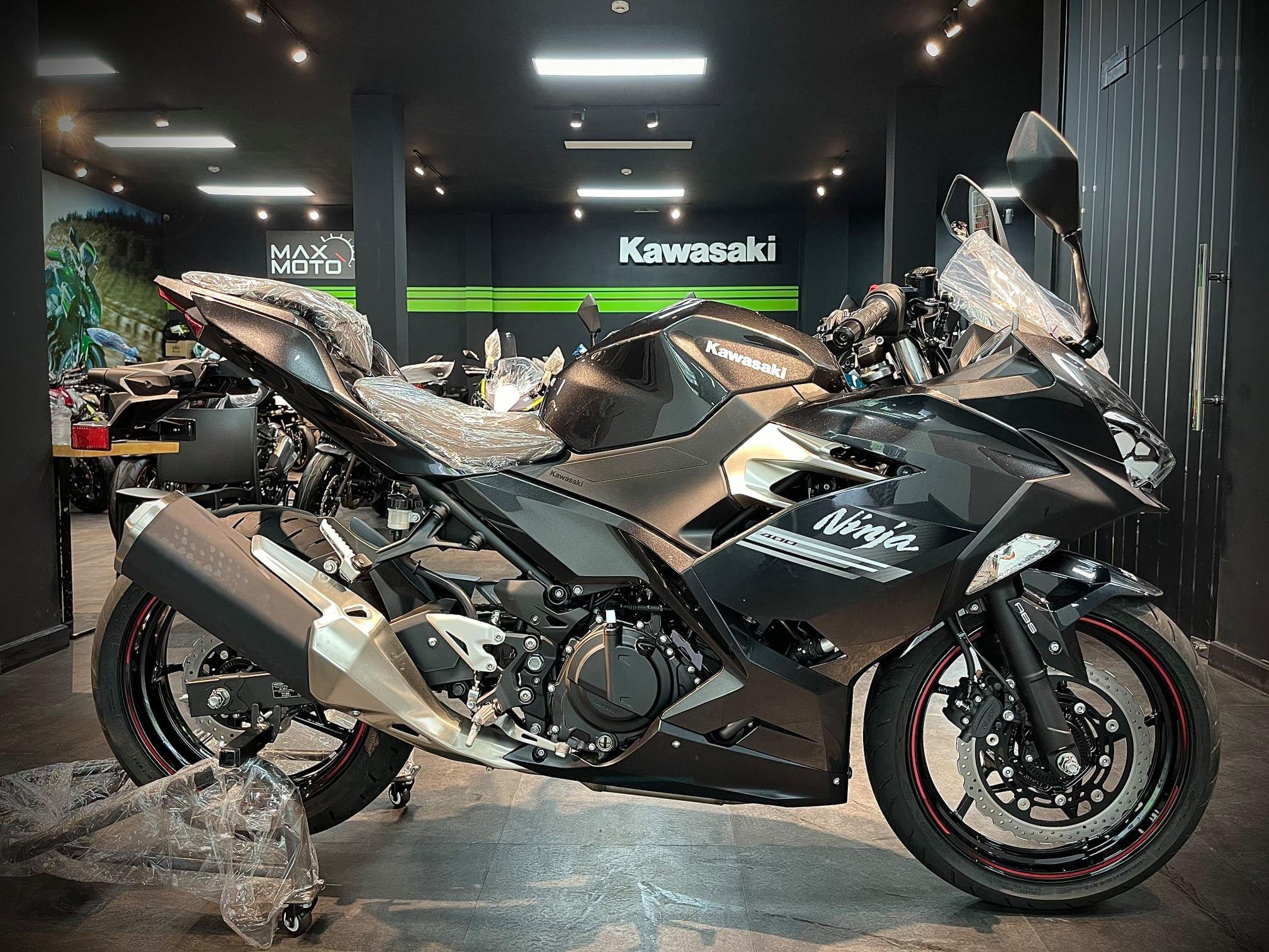 Kawasaki Ninja 400 2021 ấn tượng với diện mạo mới, giá từ 159 triệu đồng Kawawasaki Ninja 400 2021 (6).jpg