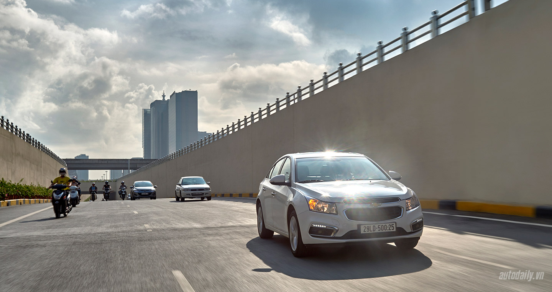 Đánh giá Chevrolet Cruze LTZ mới