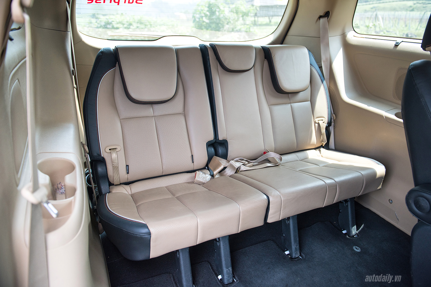 Kia Sedona - MPV cao cấp dành cho gia đình