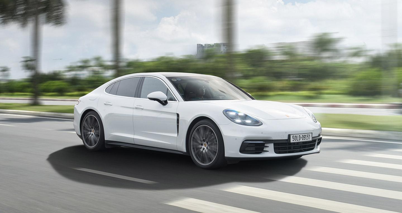 Porsche Panamera 4S 2017