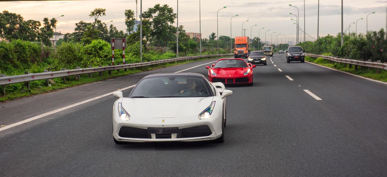 Lái thử 2 siêu xe Ferrari 488GTB và 488 Spider