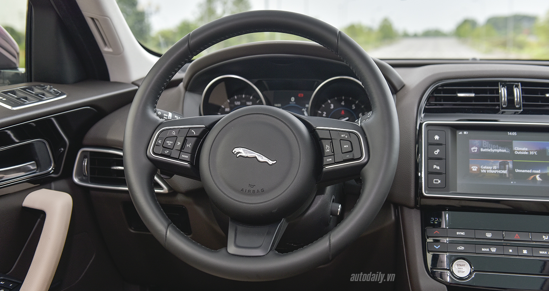 Ảnh chi tiết Jaguar F-Pace