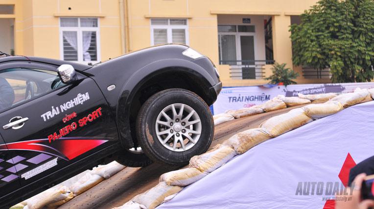 Trải nghiệm Mitsubishi Pajero Sport