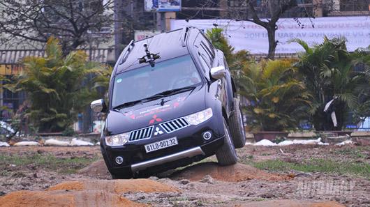 Phấn khích cùng Mitsubishi Pajero Sport - 2