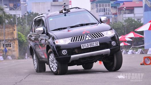 Phấn khích cùng Mitsubishi Pajero Sport - 1