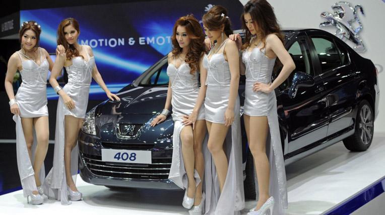 Đẹp như chân dài triển lãm Bangkok 2012