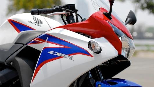 Honda CBR150R: Ông vua của mô-tô hạng ruồi - 2