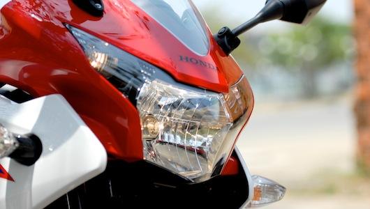 Honda CBR150R: Ông vua của mô-tô hạng ruồi - 4