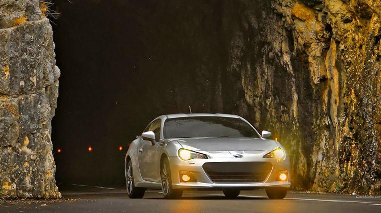 Ngắm Subaru BRZ trên đường