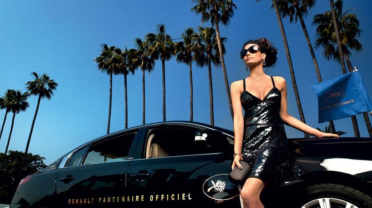 """Xe Renault """"hộ tống"""" dàn sao điện ảnh thế giới"""