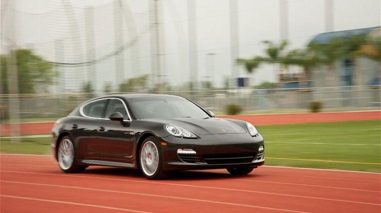 Infiniti M35h vs Lexus GS 450h vs Porsche Panamera Hybrid