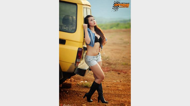 Hot Girl Hà Kim nóng cùng VOC 2012