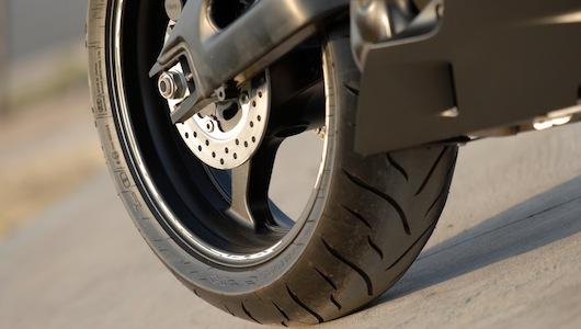 Honda CBR600RR Phoenix: Chiến binh đường phố - 4