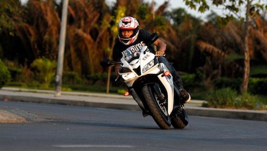 Honda CBR600RR Phoenix: Chiến binh đường phố - 1