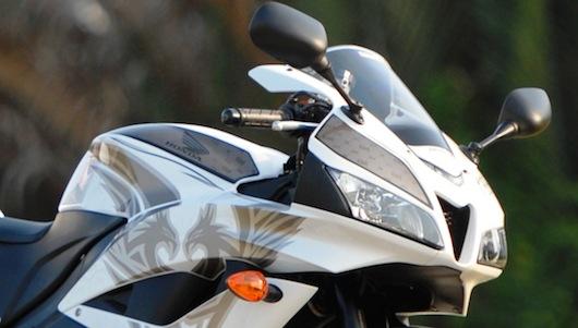 Honda CBR600RR Phoenix: Chiến binh đường phố - 2