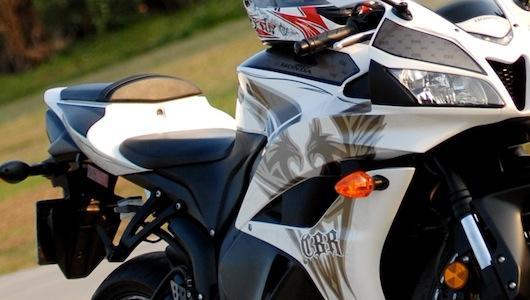 Honda CBR600RR Phoenix: Chiến binh đường phố - 3