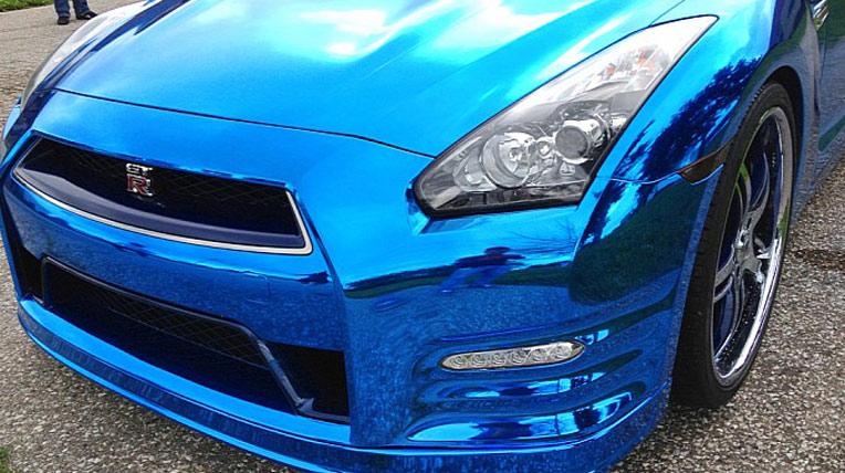 Nissan GT-R mạ c-rôm màu xanh lạ mắt