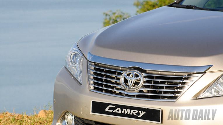Toyota Camry 2.5Q 2012