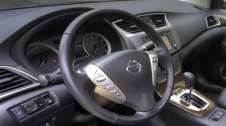Vẻ đẹp của Nissan Sentra 2013