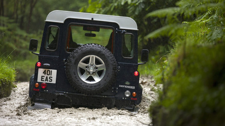 Land Rover Defender 2013