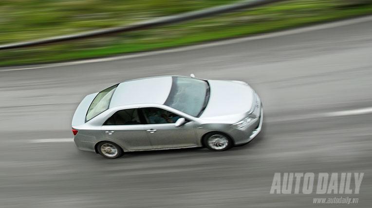 Toyota Camry 2.0E 2012