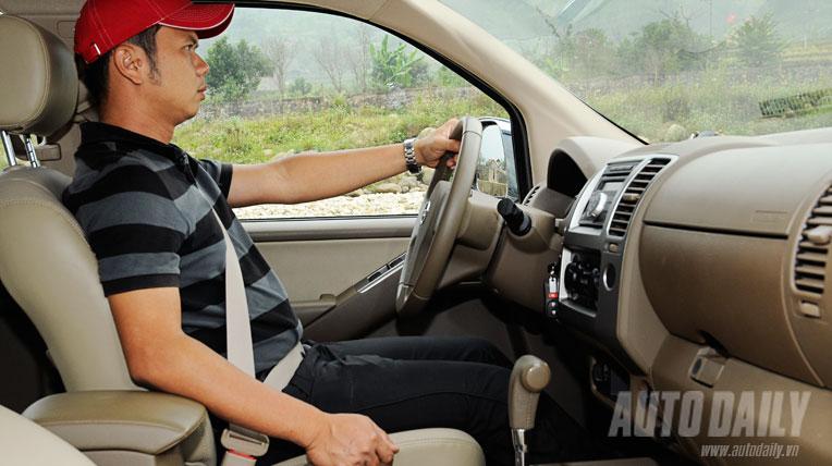 Nissan Navara AT