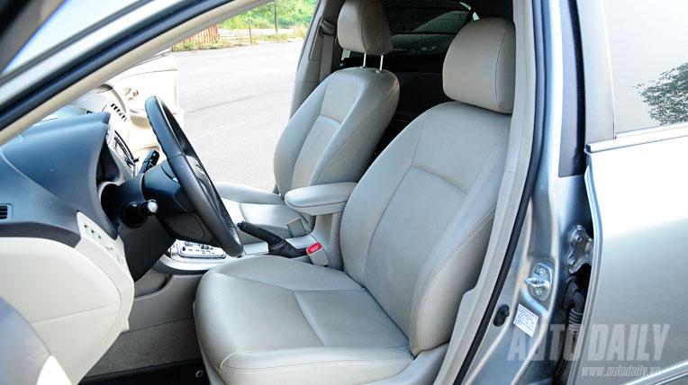 Honda Civic 1.8AT vs Toyota Altis 1.8AT