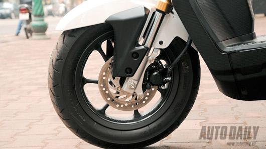 """Honda Zoomer X 2012 - Xe tay ga """"khác người"""" tại Việt Nam - 2"""