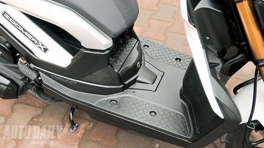 """Honda Zoomer X 2012 - Xe tay ga """"khác người"""" tại Việt Nam - 3"""