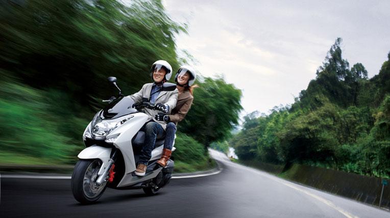 Yamaha SMAX 155 - đối thủ của Honda PCX 150