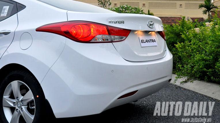 Hyundai Elantra 2013 tại Việt Nam