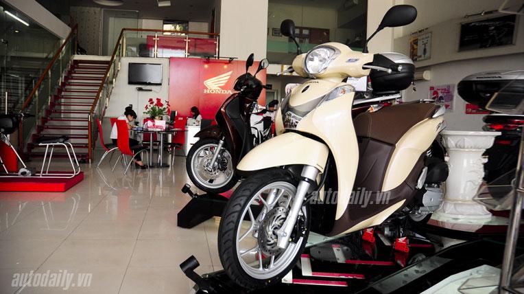Honda SH Mode tại đại lý