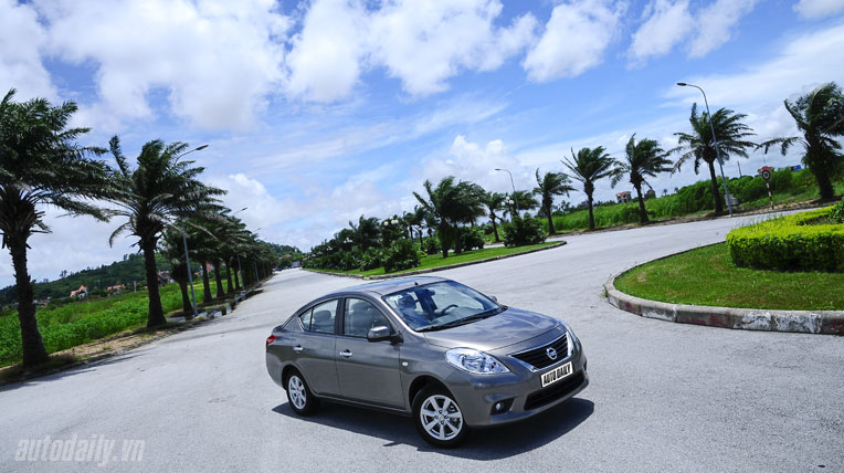 Nissan Sunny XV 2013