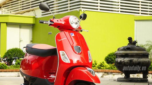 Đánh giá Vespa LT125 3V i.e trên đường phố Hà Nội - 3