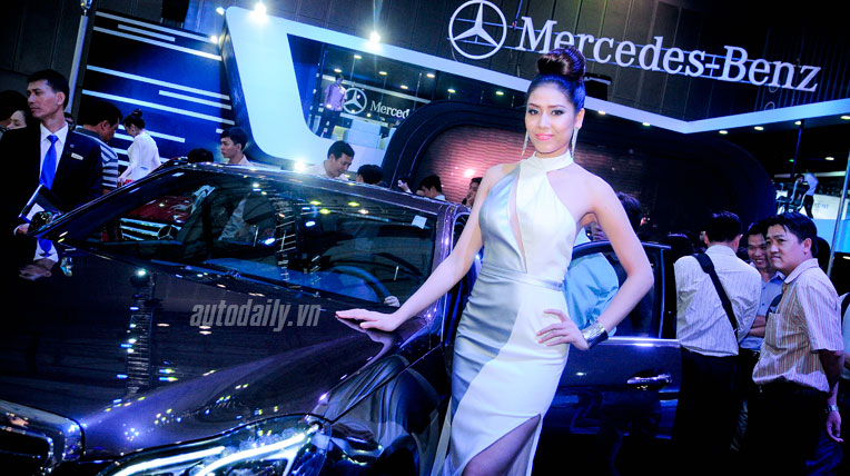 Người đẹp triển lãm ôtô Việt Nam 2013